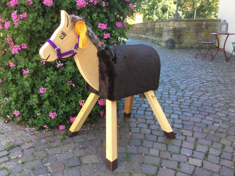 holzpferd sunny holzpferde von funny horses. Black Bedroom Furniture Sets. Home Design Ideas